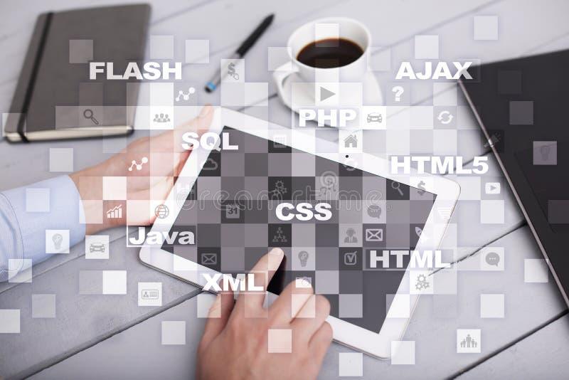 Desarrollo web programación Concepto de Internet y de la tecnología imagen de archivo