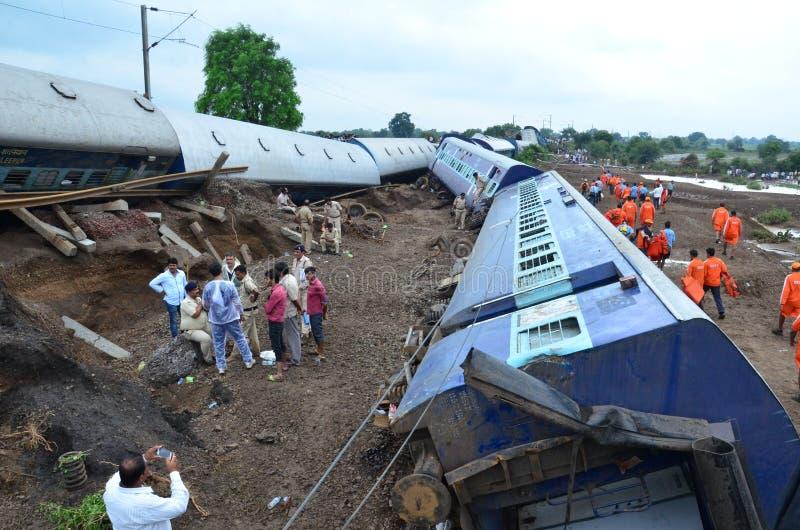 Desastre de Rio de Janeiro de la inundación: Descarrilamiento de tren fotografía de archivo libre de regalías
