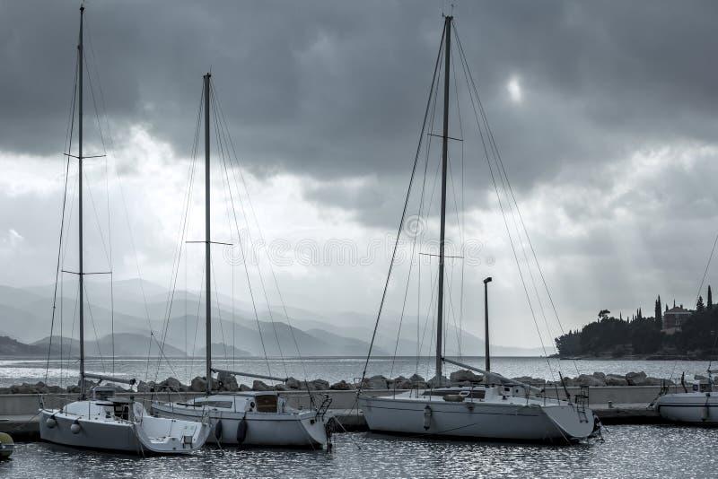 Desatención del puerto deportivo de Orebic, Croacia fotografía de archivo libre de regalías