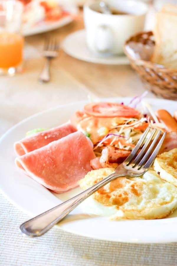 Desayuno americano en la tabla foto de archivo