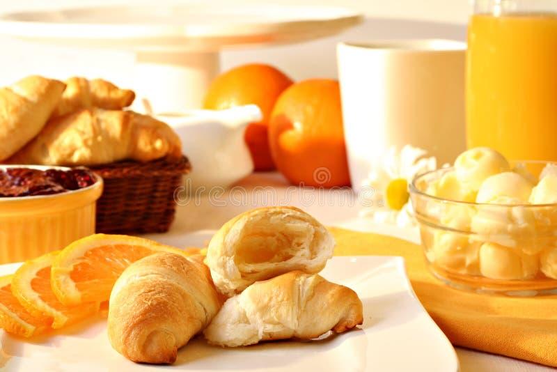 Desayuno asoleado de la mañana imagenes de archivo