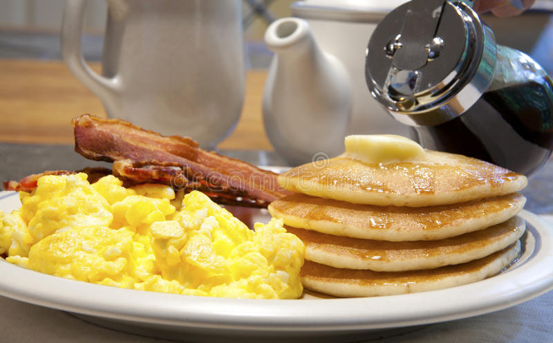 Desayuno de la crepe fotos de archivo
