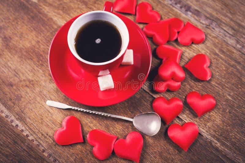 Desayuno de la mañana para el día de tarjetas del día de San Valentín imagen de archivo