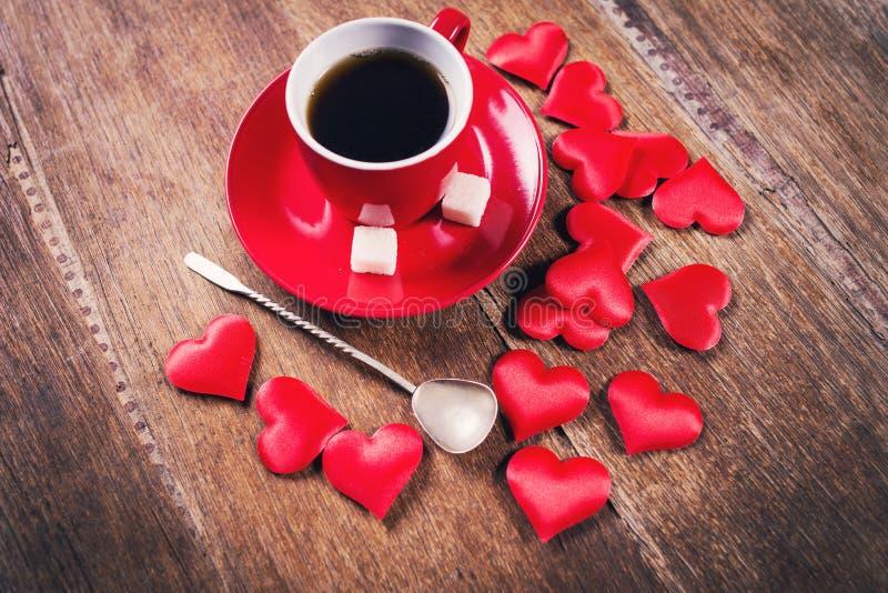Desayuno de la mañana para el día de tarjetas del día de San Valentín imagen de archivo libre de regalías