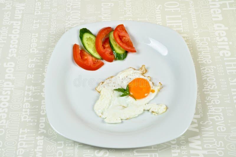 Desayuno delicioso con el huevo frito imágenes de archivo libres de regalías