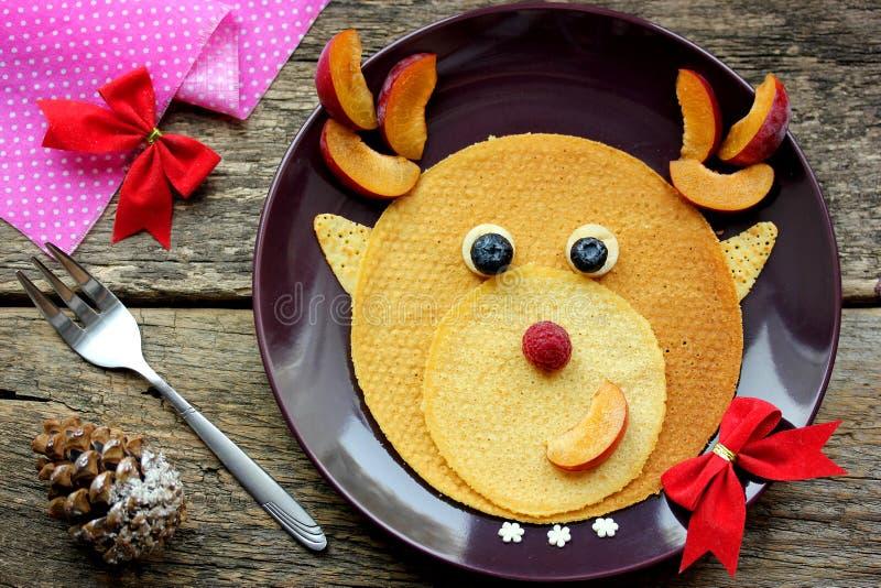 Desayuno divertido de la Navidad de crepes foto de archivo libre de regalías