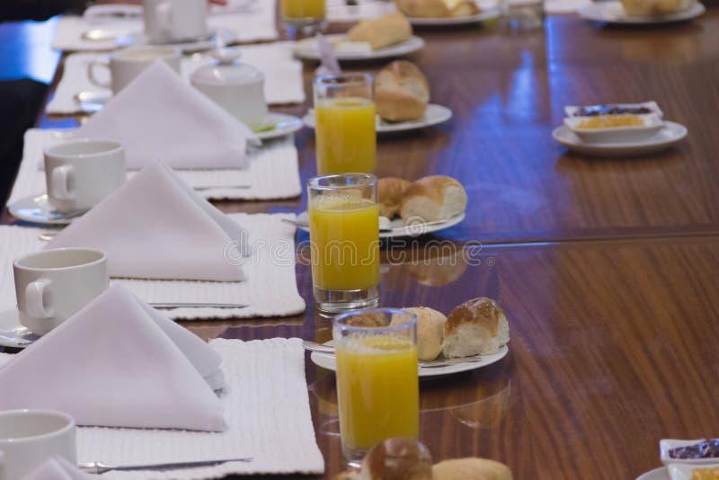 Desayuno ejecutivo fotos de archivo libres de regalías