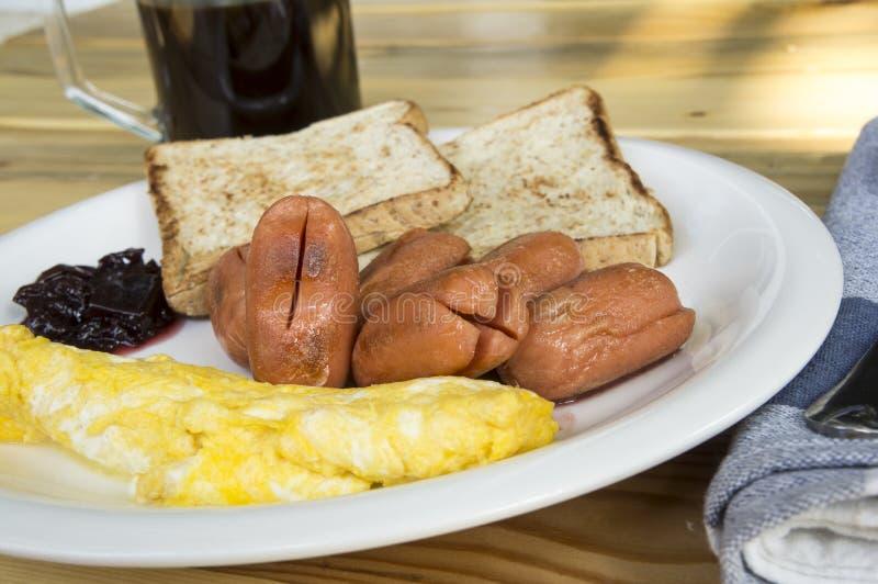 Desayuno en la placa imagenes de archivo