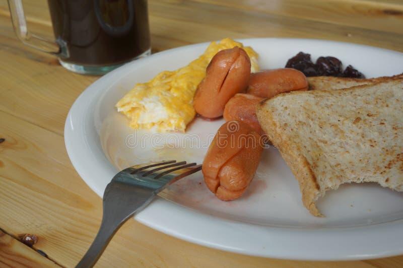 Desayuno en la placa foto de archivo libre de regalías