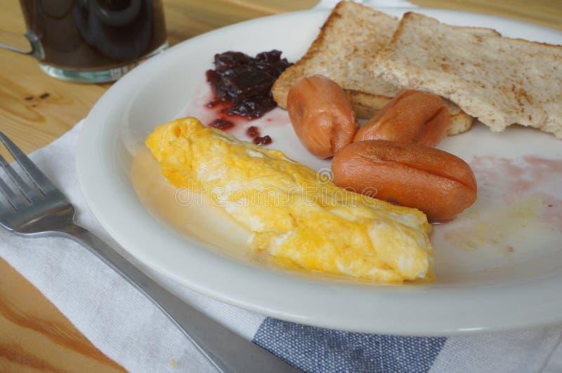 Desayuno en la placa imagen de archivo