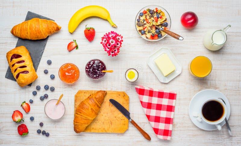 desayuno fresco y sano imágenes de archivo libres de regalías