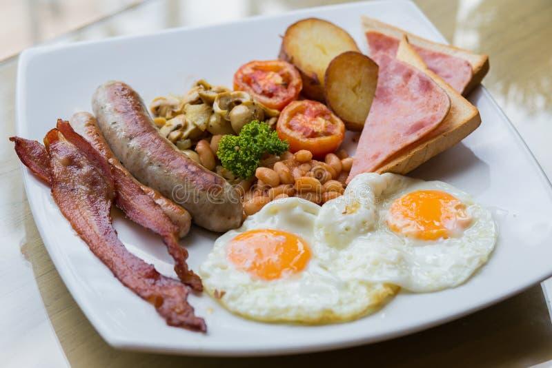 Desayuno inglés hecho en casa imagen de archivo
