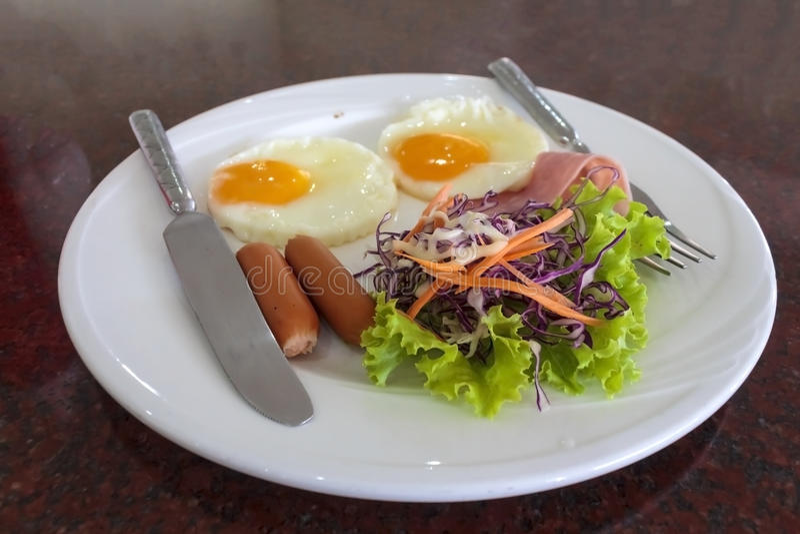 Download Desayuno sabroso foto de archivo. Imagen de huevo, francés - 42437704