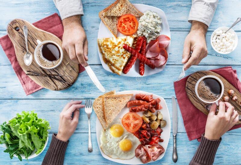Desayuno tradicional en casa fotos de archivo libres de regalías