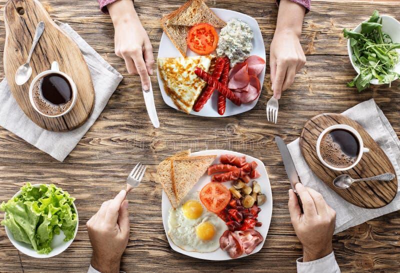 Desayuno tradicional en casa imagenes de archivo