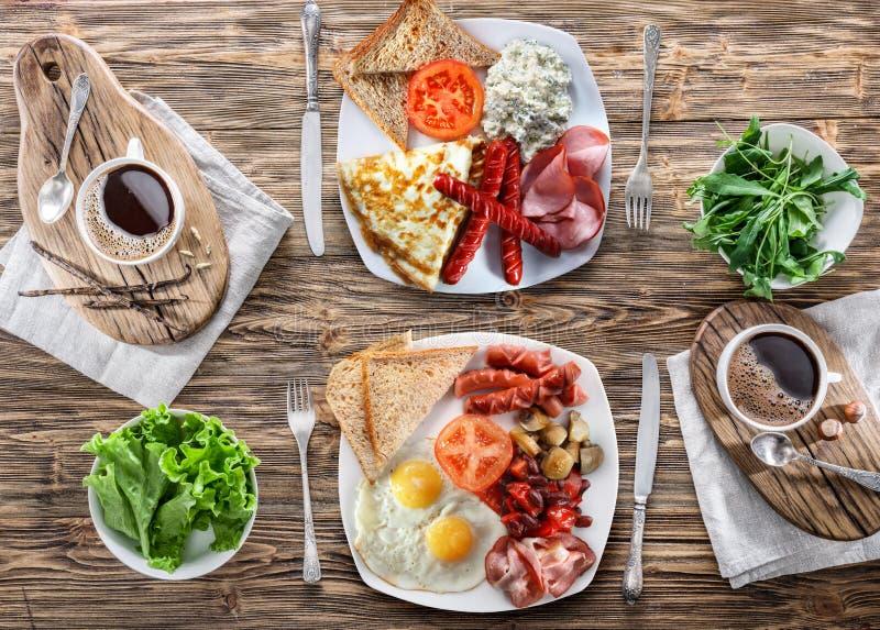 Desayuno tradicional en casa imagen de archivo