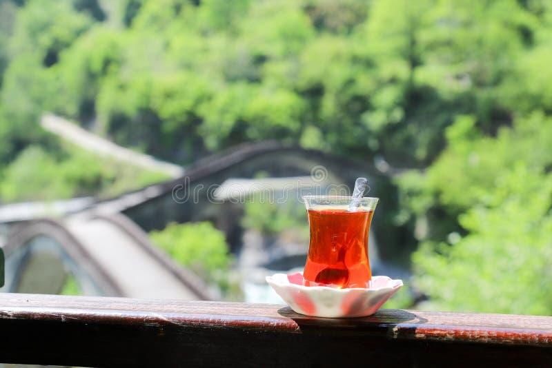 Desayuno turco tradicional y té turco foto de archivo libre de regalías