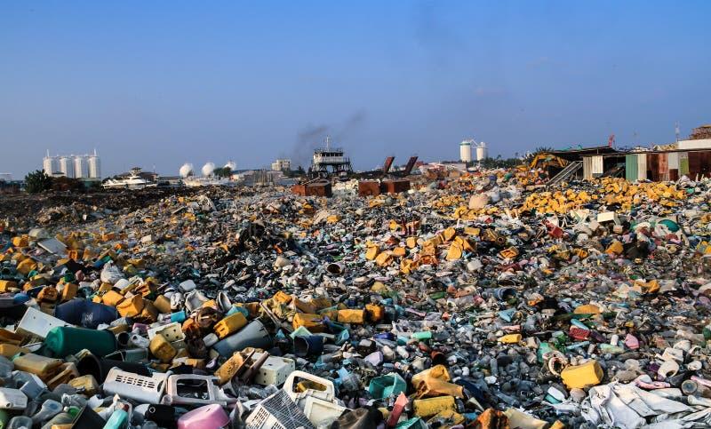 Descarga de basura foto de archivo libre de regalías