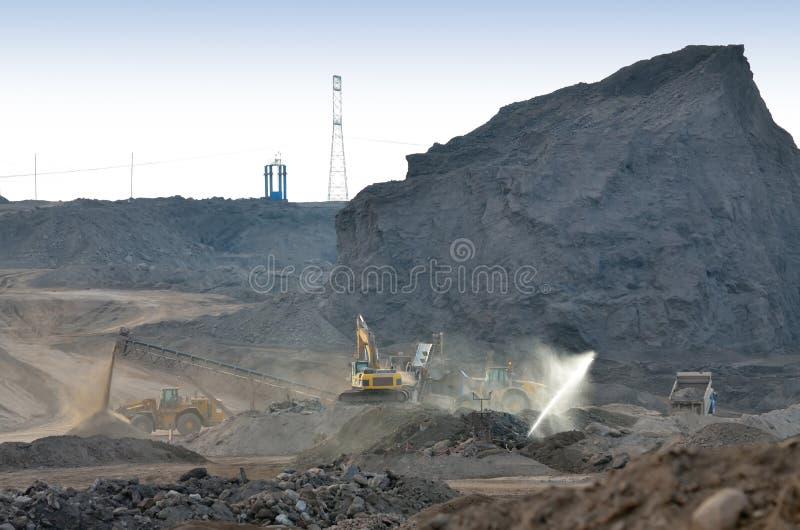 Descarga de la mina de carbón imagen de archivo libre de regalías