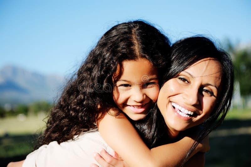 Descendant d'amour de mère photos libres de droits
