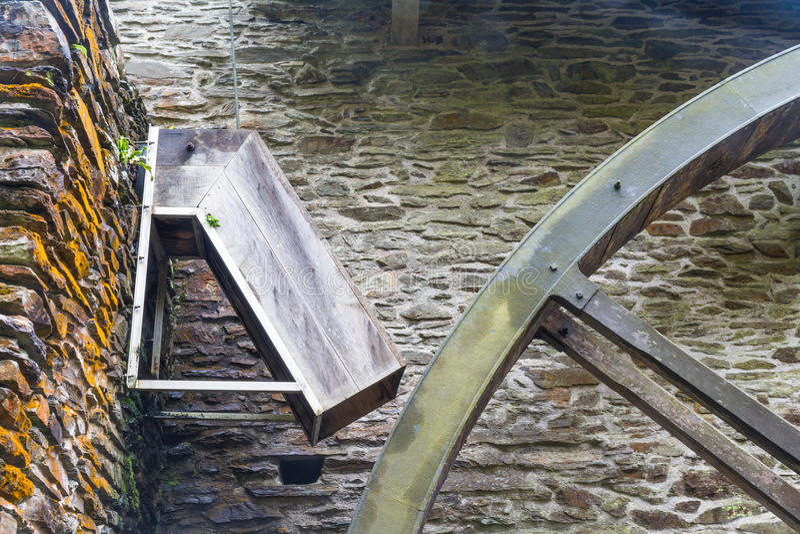 Download Descendeur Pour La Roue D'eau Image stock - Image du wooden, watermill: 77162459