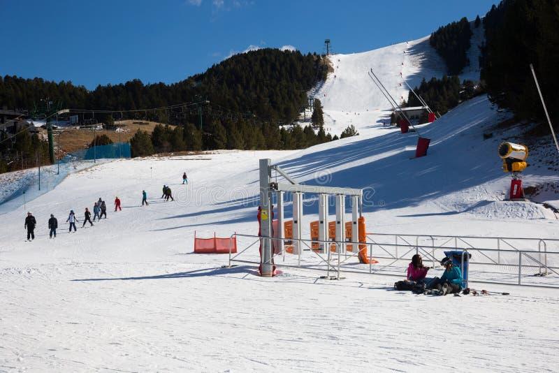 Descente de ski marquée de La Molina, Espagne image libre de droits