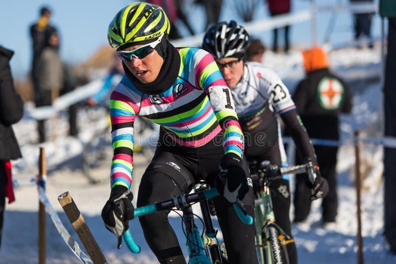 Deschutes-Brauerei-Schale Cyclocross: Emily Kachorek stockfotografie