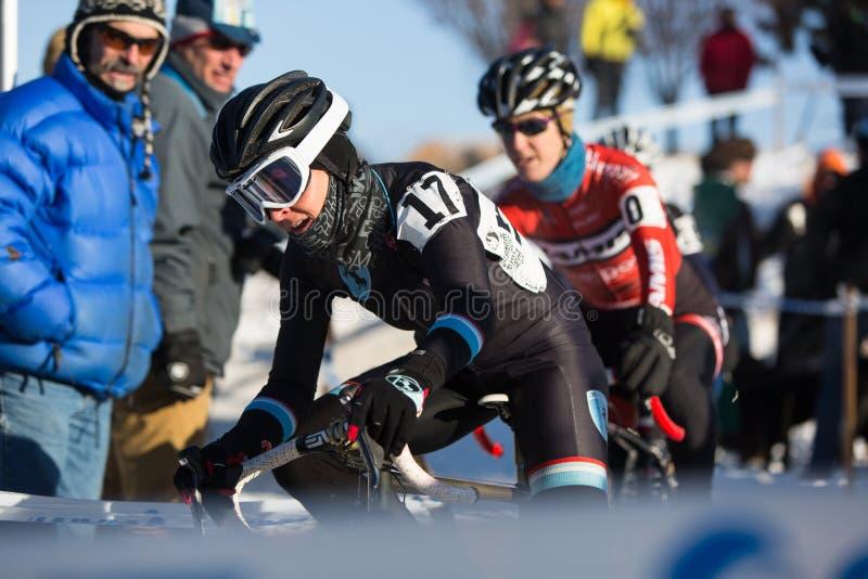 Deschutes-Brauerei-Schale Cyclocross: Tina Brubaker stockfotografie