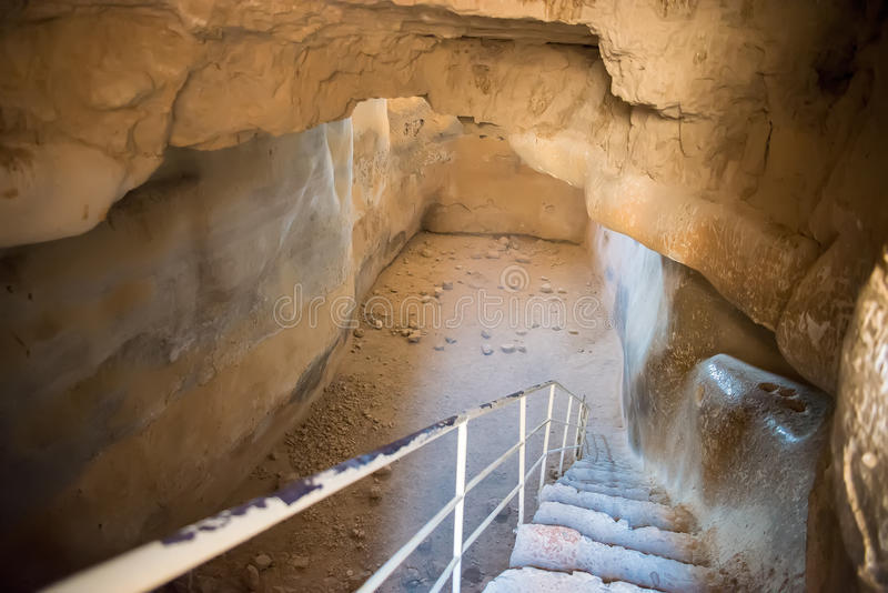 Descida na caverna fotos de stock royalty free