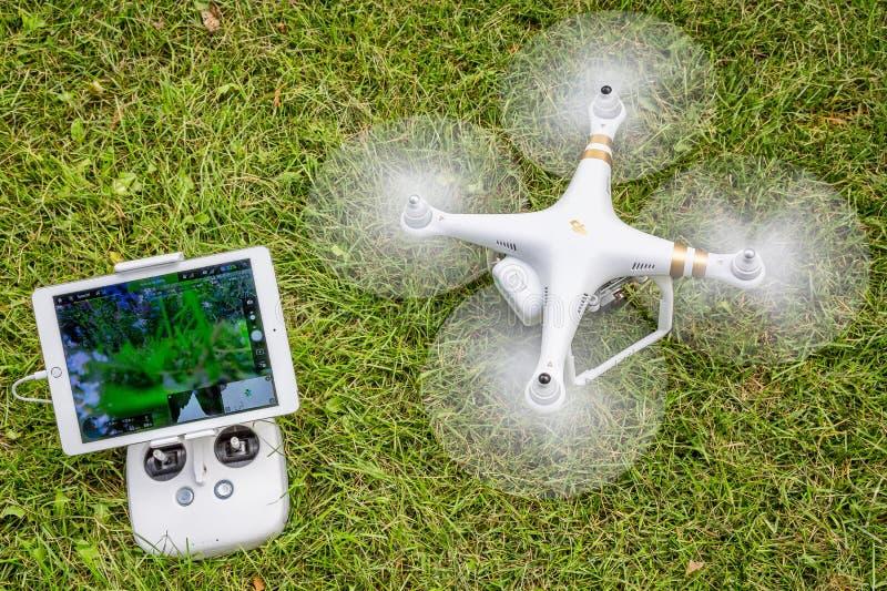 Descolagem fantasma do zangão do heaxacopter foto de stock royalty free