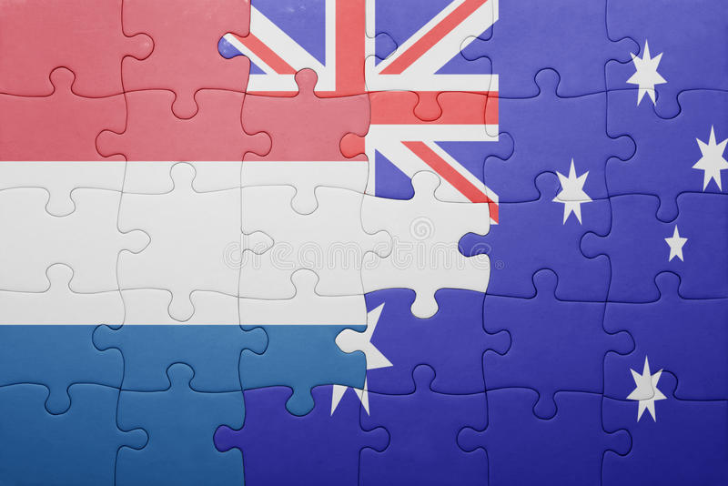 Desconcierte con la bandera nacional de Países Bajos y de Australia fotos de archivo libres de regalías
