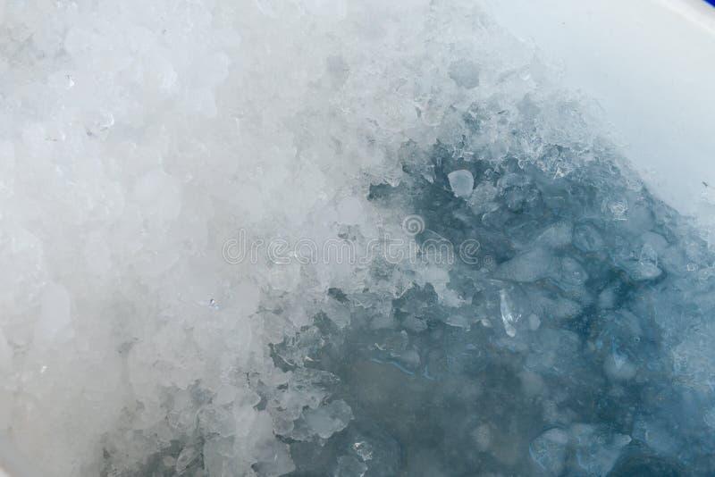 Descongelación machacada hielo fotos de archivo libres de regalías