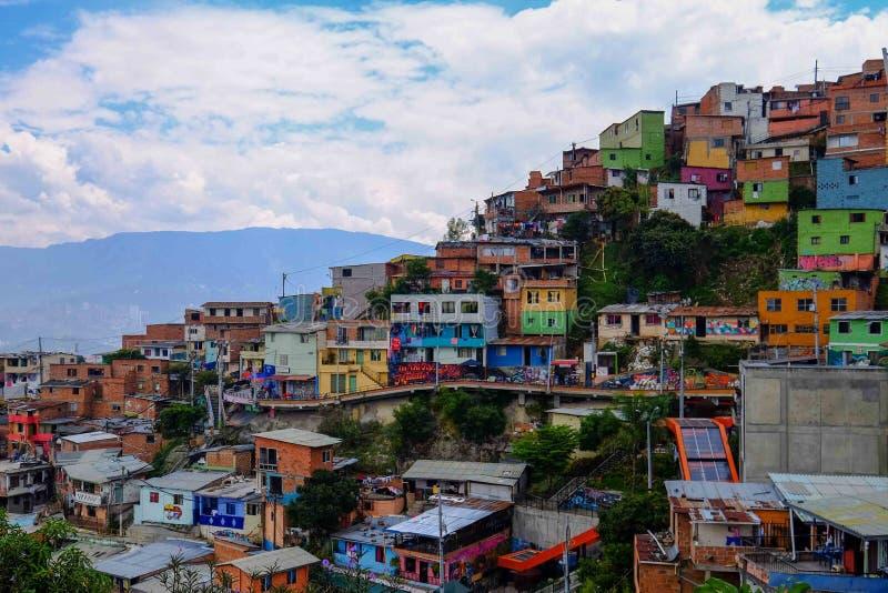 Descripción de las casas en Comuna 13, Medellin imágenes de archivo libres de regalías