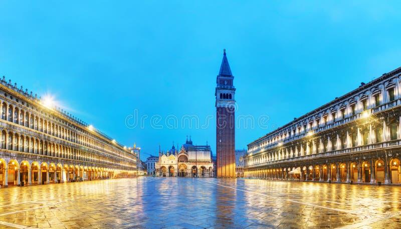 Descripción panorámica del cuadrado de San Marco en Venecia, Italia imagen de archivo