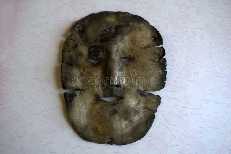 Descubrimiento de la última máscara del metal de la plata imágenes de archivo libres de regalías