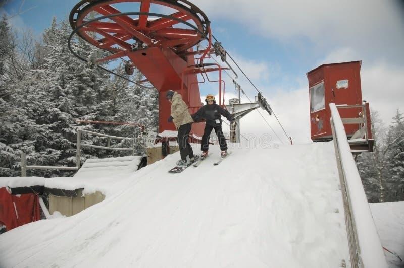Download Desembarcando a cadeira imagem de stock. Imagem de snowy - 541715