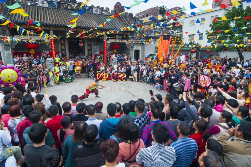 Desempenho chinês do fu do kung foto de stock