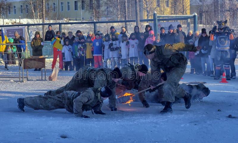 Desempenho da demonstração das tropas da aterrissagem do exército do russo dentro fotos de stock royalty free