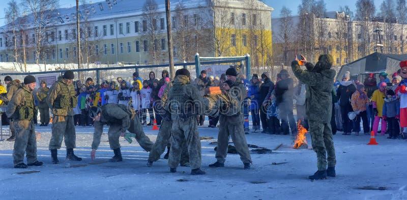 Desempenho da demonstração das tropas da aterrissagem do exército do russo dentro imagem de stock royalty free