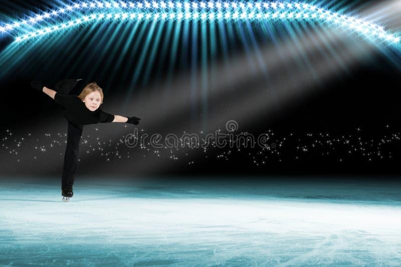 Desempenho de skateres novos, mostra de gelo imagens de stock