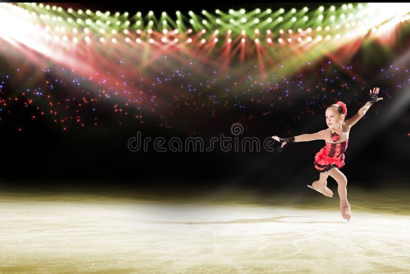 Desempenho de skateres novos, mostra de gelo fotos de stock royalty free
