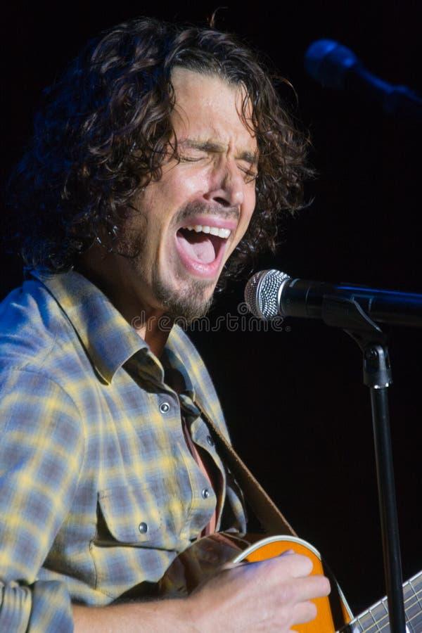 Desempenho vivo de Chris Cornell foto de stock