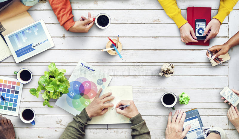 Desenhista multi-étnico Brainstorming Contemporary Concept imagem de stock royalty free