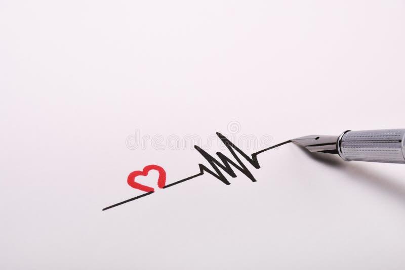 Desenho da mão do ritmo do coração, eletrocardiograma, linha conceito do pulso do batimento cardíaco no Livro Branco ilustração royalty free