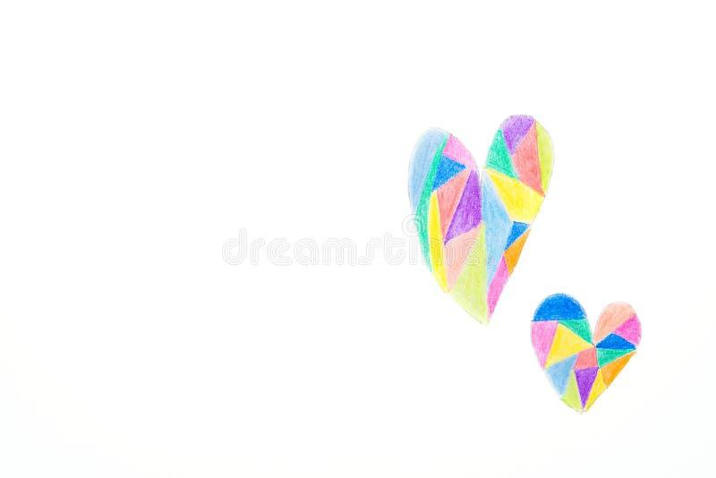 Desenho da mão no estilo das crianças dos corações da garatuja coloridos com os lápis dos pastéis no teste padrão do caleidoscópi imagem de stock royalty free
