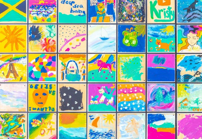 Desenhos nas velas Objeto de arte 'Navio de tolerância' fotografia de stock