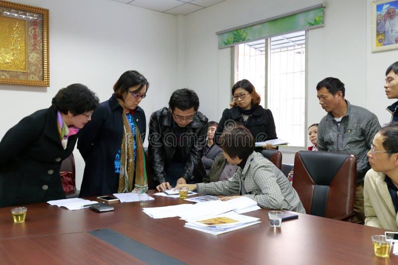 Desenvolvimento da igreja Católica da entrevista dos líderes da cidade de Xiamen imagem de stock royalty free