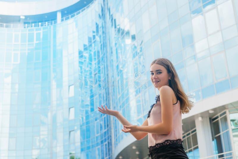 Desenvolvimento da indústria da construção de cidades grandes imagens de stock royalty free