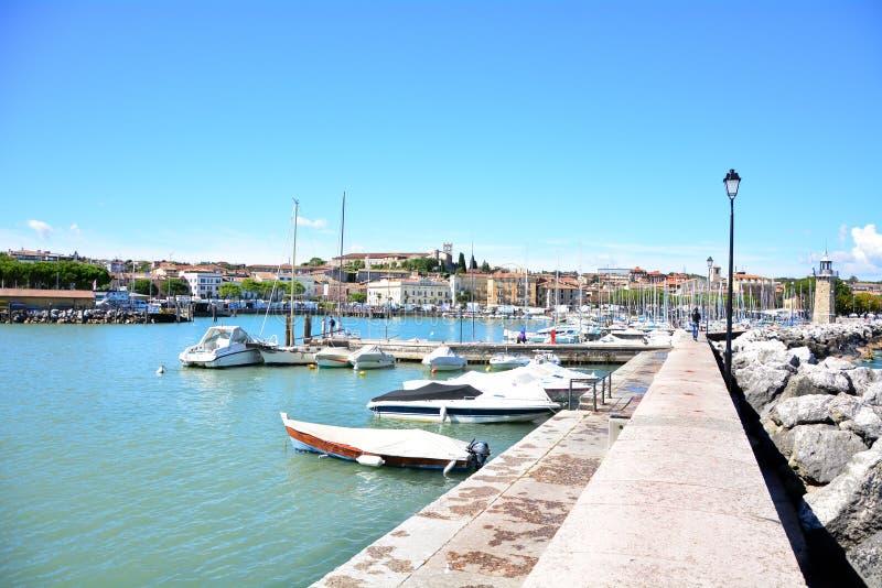 Desenzano加尔达湖港口 免版税库存照片
