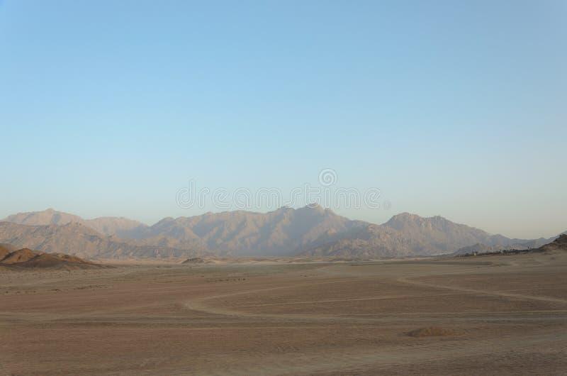 Deserto in Africa Safari di ATV Escursioni nell'Egitto fotografie stock libere da diritti